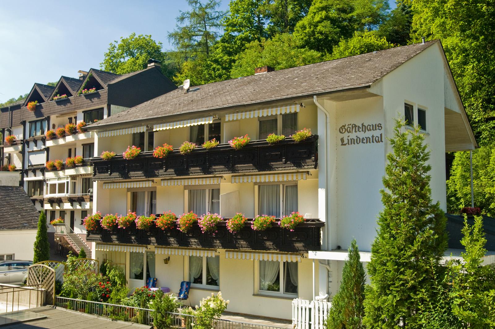Bikerhotel germany eifel lindental rooms your for Hotels in eifel germany